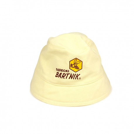 "Hat with ""Sadecki Bartnik"" logo"